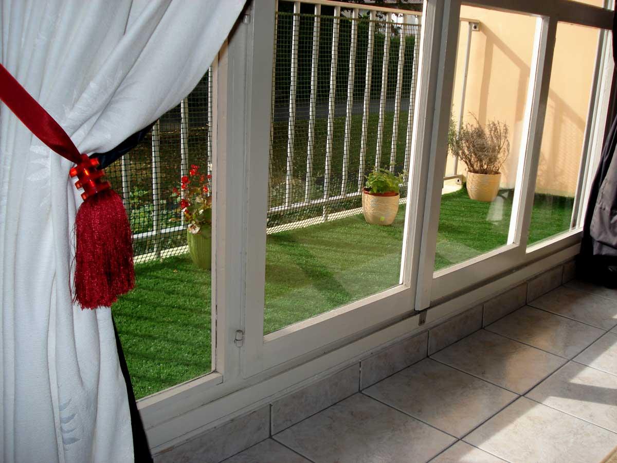 gazon artificiel balcon xs17 montrealeast. Black Bedroom Furniture Sets. Home Design Ideas